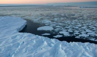 Global warming impact on Australian Antarctic territory