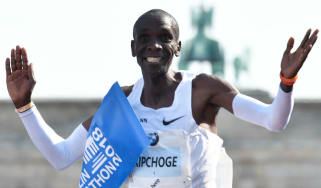 Eliud Kipchoge Berlin Marathon world record time
