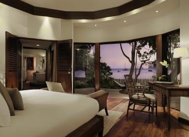 The Rayavadee Villa_Master Bedroom (evening)