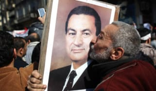 Pro-Hosni Mubarak protester