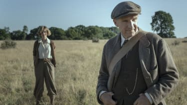 Carey Mulligan and Ralph Fiennes star in The Dig on Netflix