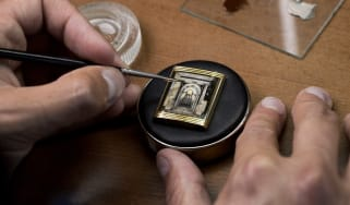 reverso_watch_tribute_to_scuola_grande_di_san_rocco_enamelling_photo_johann_sauty.jpg