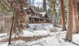 A log cabin in Conundrum Valley, Aspen, Colorado, US