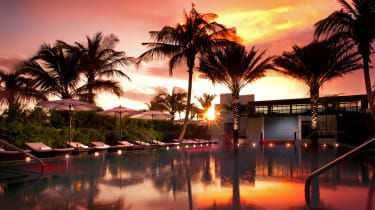 pb-tideline_ocean_resort_and_spa_pool_sunset_1.jpg