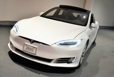 LOS ANGELES, CA - AUGUST 04:A Tesla on display during the 4moms Car Seat launch event at Petersen Automotive Museum on August 4, 2016 in Los Angeles, California.(Photo by Araya Diaz/Getty Ima