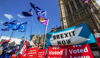 Demonstrators for and against Brexit protest outside the Houses of Parliament in London, U.K., on Wednesday, Sept. 4, 2019. U.K. Prime Minister Boris Johnson suffered an historic defeat in Pa