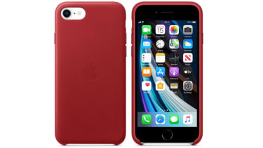 Apple iPhone SE leather case in PRODUCT(RED)