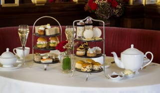 hotel_cafe_royal_-_festive_afternoon_tea_2.jpg