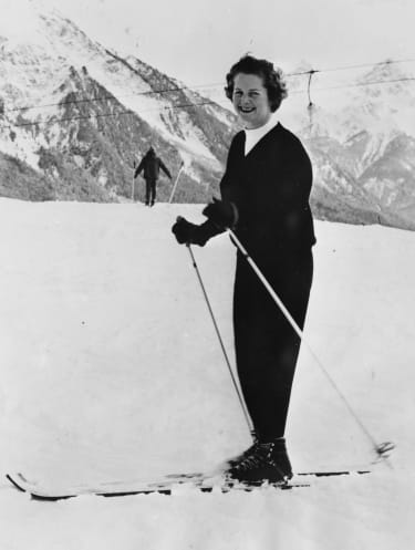 Conservative Party politician Margaret Thatcher skiing in Tgantreri, 1962. Printed following her appointment as new leader of the Conservative Party in 1975. (Photo by Keystone Features/Hulto