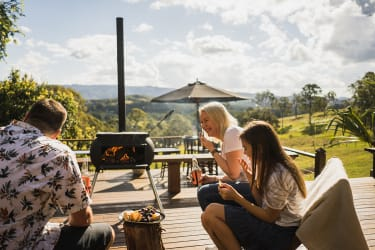 Ozpig outdoor cooker and heater