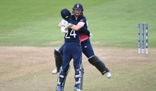 Jenny Gunn and Anya Shrubsole England women's cricket team