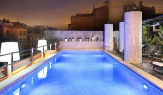 Swimming pool at the Hotel Claris