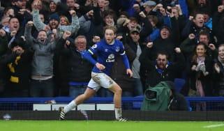 Tom Davies scores for Everton against Manchester City