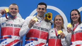 Adam Peaty, James Guy, Anna Hopkin and Kathleen Dawson mixed 4x100m medley relay swimming