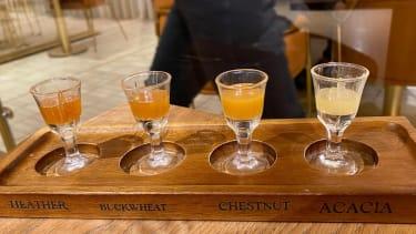Honey-tasting set