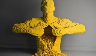 Nathan Sawaya, The Art of Brick, Yellow