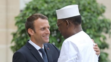 Emmanuel Macron welcomes Idriss Déby at the Elysee Palace in 2018