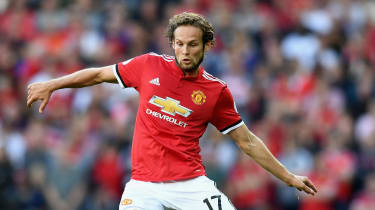 Daley Blind Manchester United transfer out of contract