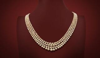 ww-pearl-necklace.jpg