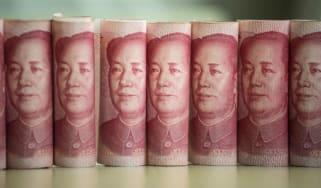 100 yuan notes depicting Chairman Mao