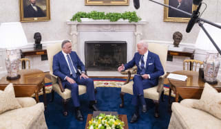 Joe Biden and Iraqi Prime Minister Mustafa al-Kadhimi in the Oval Office