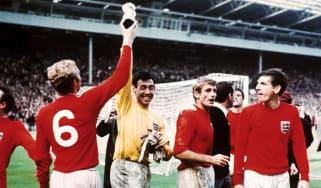 gordon_banks_england_1966_world_cup_winners.jpg