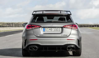 Mercedes-AMG A 45 S 4MATIC+ (2019), Kraftstoffverbrauch kombiniert: 8,4-8,3 l/100 km; CO2-Emissionen kombiniert: 192-189 g/km // Fuel consumption combined: 8.4-8.3 l/100 km; Combined CO2 emis