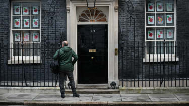 Dominic Cummings stands outside 10 Downing Street.