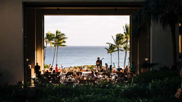 On the neighbouring island of Kauia, the Grand Hyatt makes the most of its ocean-front setting