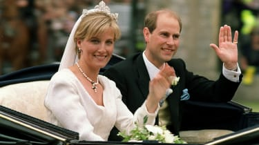The newly married Prince Edward and Sophie, Countess of Wessex