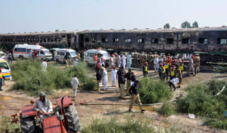 pakistan_train_fire.jpg