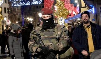 161123_french_soldier_in_strasbourg.jpg