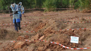 Mine-clearance experts at work in Casamance