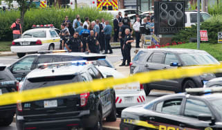 Five people have been killed by a lone gunman at the newsroom of a US newspaper