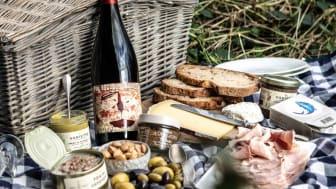 Provisions picnic hamper