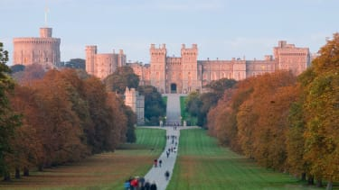 windsor_castle_at_sunset_-_nov_2006.jpg