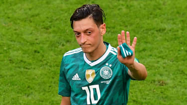 Mesut Ozil Germany quit