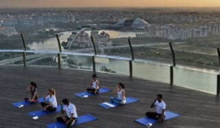 151102-yoga.jpg