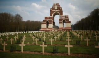 160607-ww1-graves.jpg