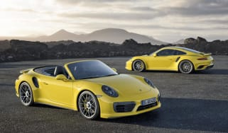 embargo_00_01_cet_1_december_2015_new_porsche_911_turbo_s_0.jpg