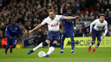Harry Kane's penalty gave Spurs a 1-0 win against Chelsea in the Carabao Cup semi-final first leg