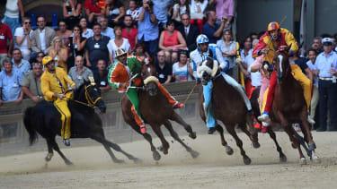 Palio Day racing