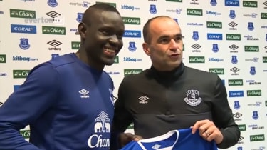 Ecverton signing Oumar Niasse