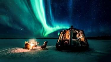 wd-lake_inari_aurorahut_northernlights_180.jpg