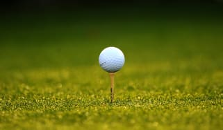 A ball sits on a tee during the second round of the Masters golf tournament at Augusta National Golf Club on April 8, 2011 in Augusta, Georgia. AFP PHOTO /Robyn BECK (Photo credit should read