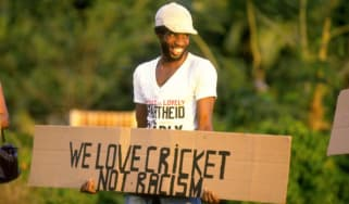 140912_cricket_boycott.jpg