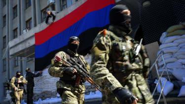 Pro-Russian activists barricade administrative buildings in Slaviansk