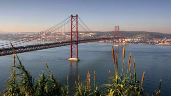 The stunning 25 de Abril bridge in Lisbon