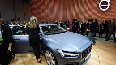 Semi-automated Volvo S90 is unveiled during the press preview of the 2016 North American International Auto Show in Detroit, Michigan, on January 11, 2016. AFP PHOTO/JEWEL SAMAD / AFP / JEWEL
