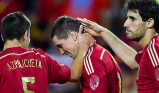 FernandoTorres celebrates with Cesar Azpilicueta and Javi Martinez